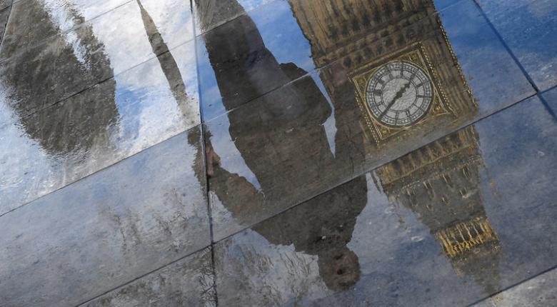 Άνοιξε ο δρόμος για πρόωρες εκλογές στη Βρετανία - Κεντρική Εικόνα