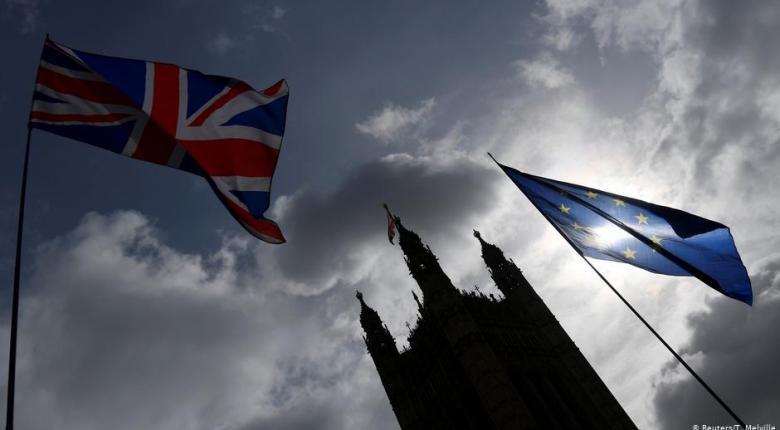 Όλο και πιο δύσκολη η συμφωνία για το Brexit - Σε πτώση η στερλίνα - Κεντρική Εικόνα