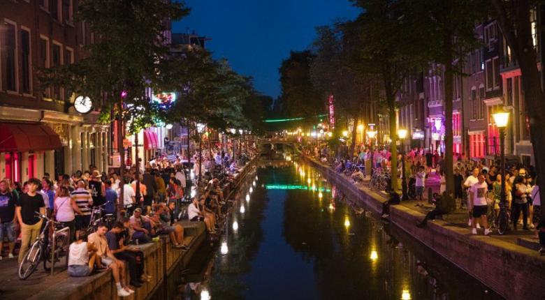 «Πόλεμο» κατά του υπερτουρισμού κηρύσσει η Ολλανδία - Κεντρική Εικόνα