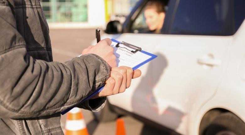 Νέο καθεστώς για άδειες οδήγησης - Ποιοι και πότε θα λαμβάνουν «προσωρινή άδεια» - Κεντρική Εικόνα