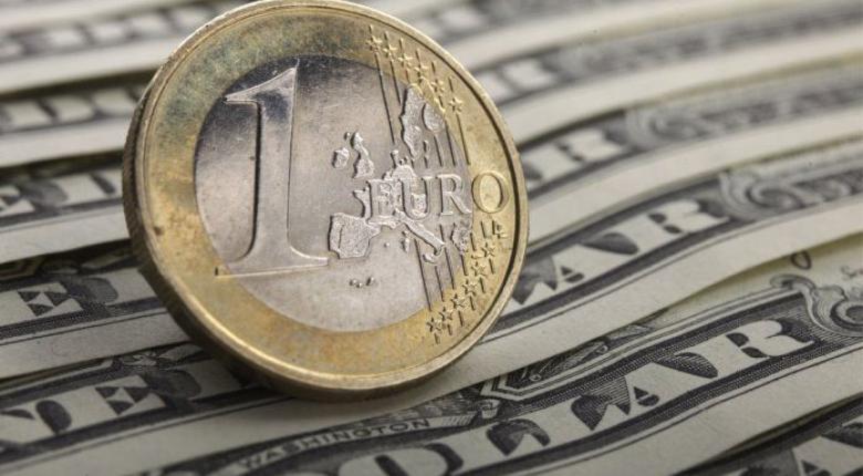 Πτώση ευρώ έναντι του δολαρίου - Κεντρική Εικόνα