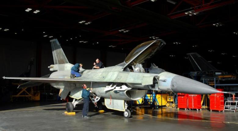 Σε υπόστεγο της ΕΑΒ το πρώτο F-16 της ΠΑ για την αναβάθμιση του σε Viper - Κεντρική Εικόνα