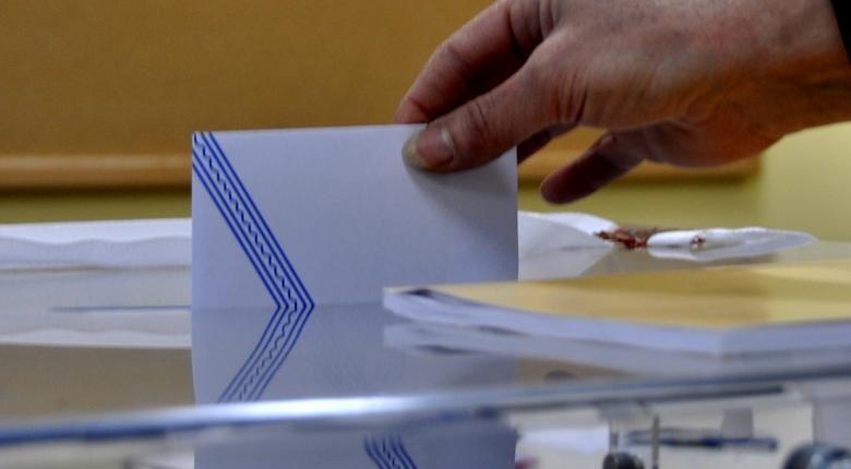 Η κυβέρνηση συζητάει τη μείωση του 3% στον εκλογικό νόμο - Κεντρική Εικόνα