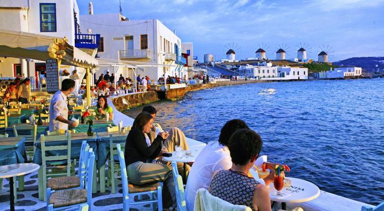 Λιγοστεύουν οι Έλληνες που κάνουν «εσωτερικό» τουρισμό - Κεντρική Εικόνα
