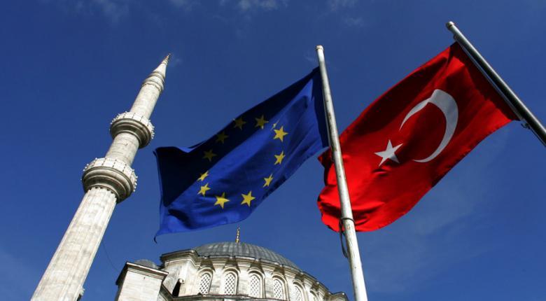 ΕΕ κατά Toυρκίας: Απορρίπτουμε τη χρησιμοποίηση των μεταναστών για πολιτικές επιδιώξεις - Κεντρική Εικόνα
