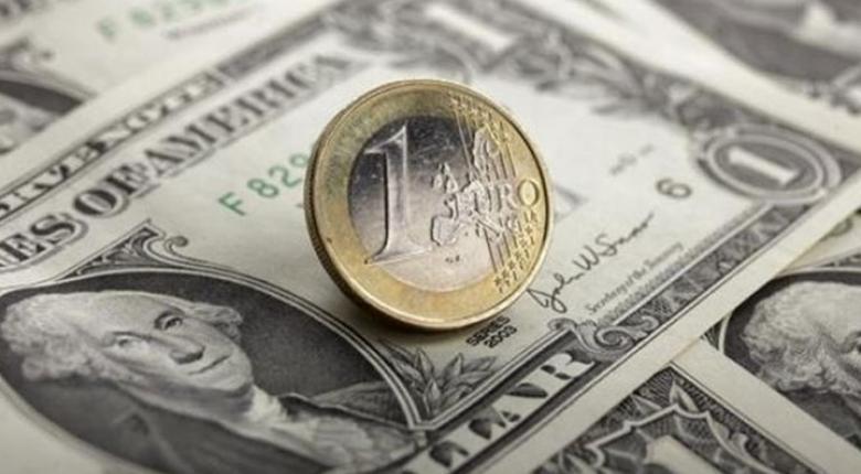 Οριακή πτώση σημειώνει το ευρώ έναντι του δολαρίου - Κεντρική Εικόνα