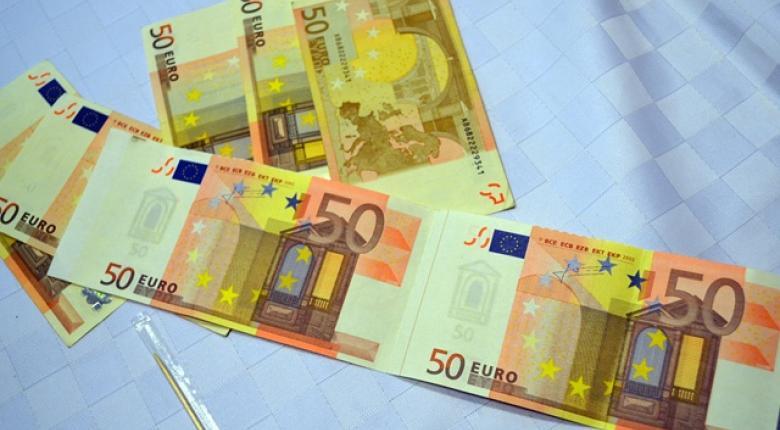 Γέμισε πλαστά 100ευρα και 50ευρα η αγορά της Πάτρας  - Κεντρική Εικόνα