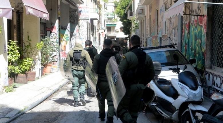 Στον εισαγγελέα οι τέσσερις συλληφθέντες για τα επεισόδια στα Εξάρχεια - Κεντρική Εικόνα