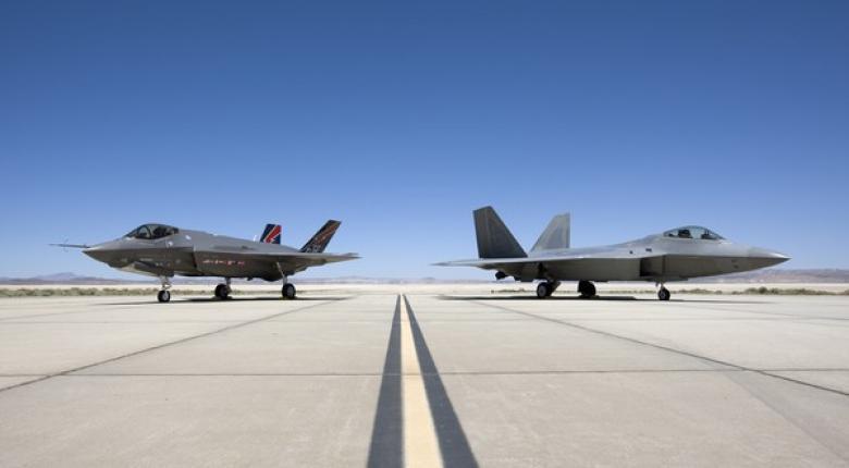 Ποιο νέο αεροσκάφος θα δείξουν οι Αμερικανοί στον Πάνο Καμμένο - Κεντρική Εικόνα