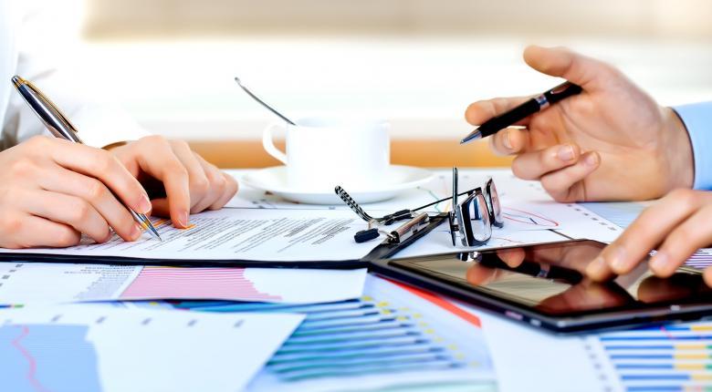 ΣΕΒ: Λιγότερες από 500 επιχειρήσεις πληρώνουν πάνω από το 50% του φόρου εισοδήματος νομικών προσώπων - Κεντρική Εικόνα