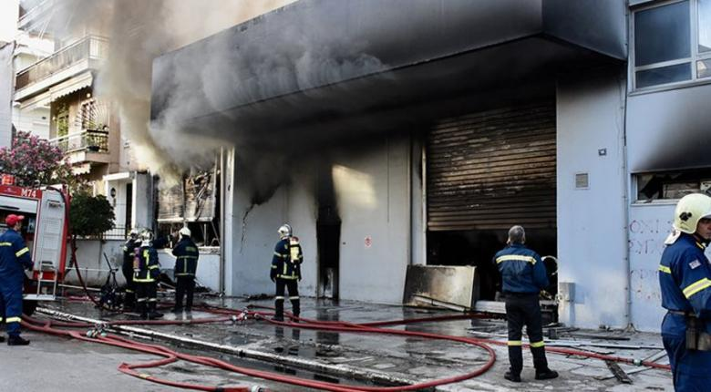 Φωτιά στο πάρκινγκ πολυκαταστήματος στον Κηφισό - Κεντρική Εικόνα