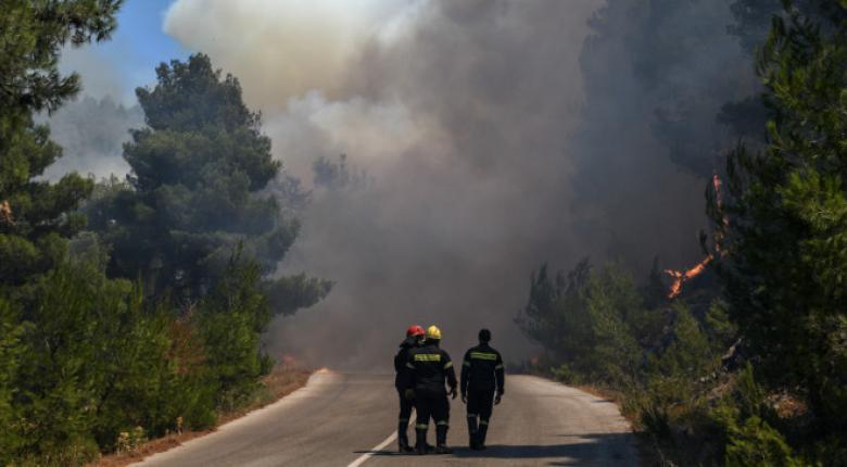 Μεγάλη φωτιά στο Ποικίλο Όρος στο Αιγάλεω (photo) - Κεντρική Εικόνα