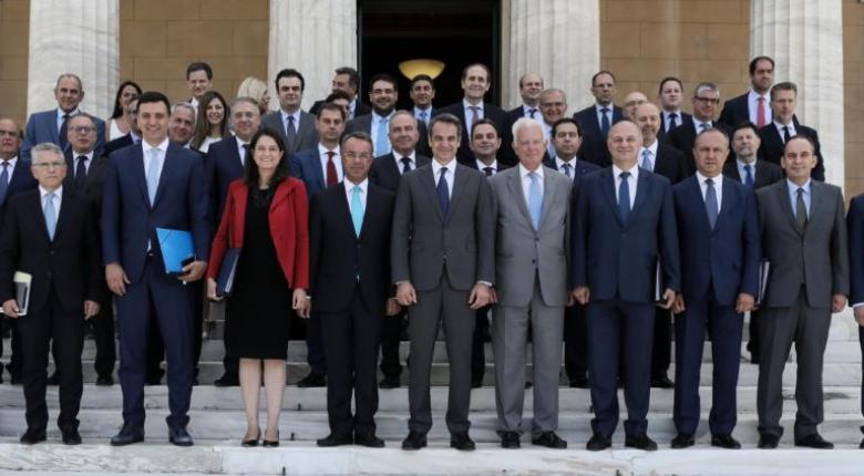 Ποιος είναι ο δημοφιλέστερος υπουργός σύμφωνα με την πρώτη δημοσκόπηση μετά τις εκλογές (photo) - Κεντρική Εικόνα