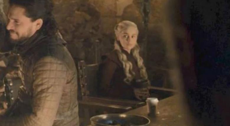 Τσάμπα διαφήμιση των Starbucks στο Game Of Thrones - Άλλης εταιρείας ήταν το ποτηράκι καφέ(photos) - Κεντρική Εικόνα