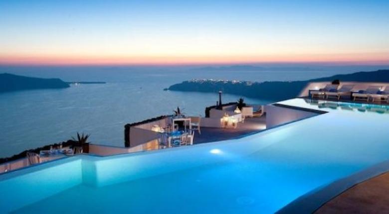 Πέφτουν οι τιμές των ξενοδοχείων σε Αθήνα, Μύκονο και Σαντορίνη - Κεντρική Εικόνα