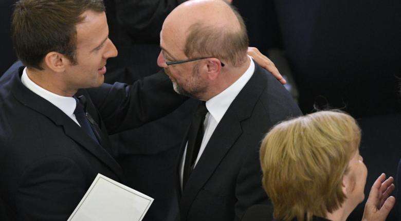 Ο Σουλτς, ο Μακρόν και ο Υπ. Οικονομικών της Ευρωζώνης - Κεντρική Εικόνα