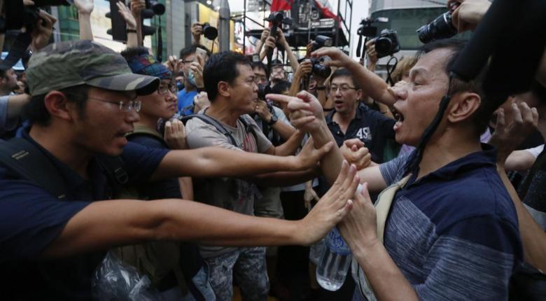 Χονγκ Κονγκ: Συγκρούσεις αντικυβερνητικών διαδηλωτών με υποστηρικτές του Πεκίνου - Κεντρική Εικόνα
