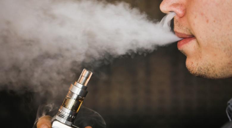 Καταγράφηκε ο πρώτος θάνατος που φαίνεται να συνδέεται με τη χρήση ηλεκτρονικού τσιγάρου - Κεντρική Εικόνα