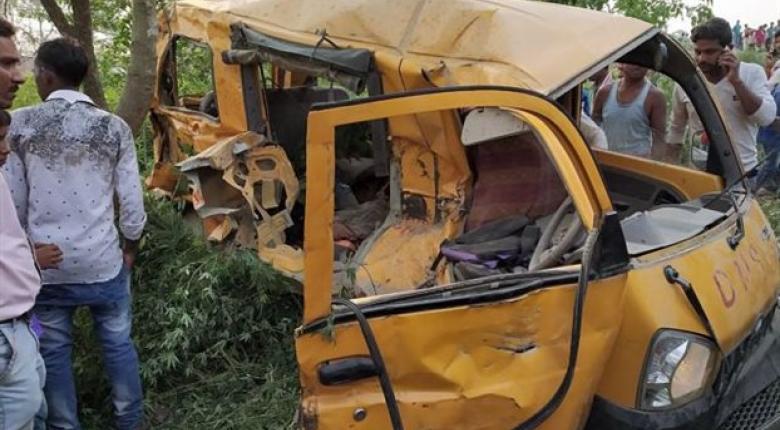 Ινδία: Σύγκρουση τρένου με σχολικό λεωφορείο με 13 παιδιά νεκρά - Κεντρική Εικόνα