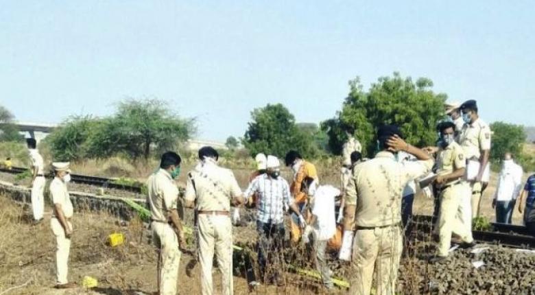 Ινδία: Νέο φρικτό θανατηφόρο δυστύχημα - Τρένο σύνθλιψε εργάτες που κοιμόνταν στις ράγες (Photos) - Κεντρική Εικόνα