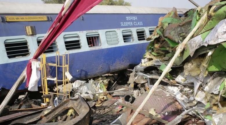 Ινδία: Τουλάχιστον 23 νεκροί και 64 τραυματίες από εκτροχιασμό αμαξοστοιχίας - Κεντρική Εικόνα