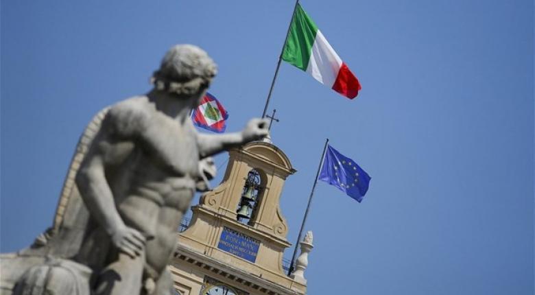 Ο Κόντε τάσσεται υπέρ των μειώσεων φόρων, ο Σαλβίνι απειλεί με παραίτηση στη διαμάχη με την ΕΕ - Κεντρική Εικόνα