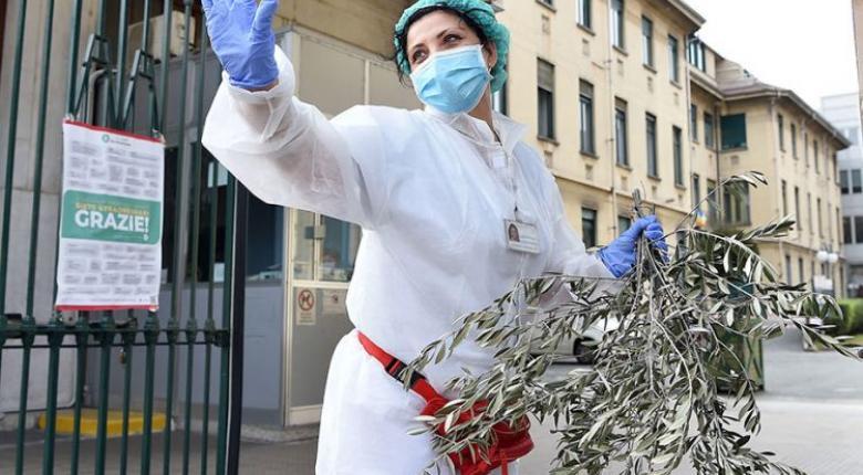 Κορωνοϊός-Ιταλία: Αστυνομική έρευνα για «σικέ» κρατικό διαγωνισμό αγοράς μασκών - Κεντρική Εικόνα