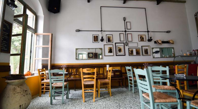 «Γιατί κύριε κράτος;»: H ανάρτηση Αγρινιώτη καφετζή που έγινε viral  - Κεντρική Εικόνα