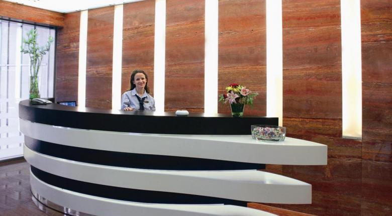 Αναβιώνει το «κόκκινο» ξενοδοχείο της Κάνιγγος (photos) - Κεντρική Εικόνα