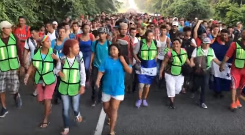 Περισσότεροι από 7.000 άνθρωποι στο «καραβάνι» μεταναστών προς τις ΗΠΑ (video) - Κεντρική Εικόνα