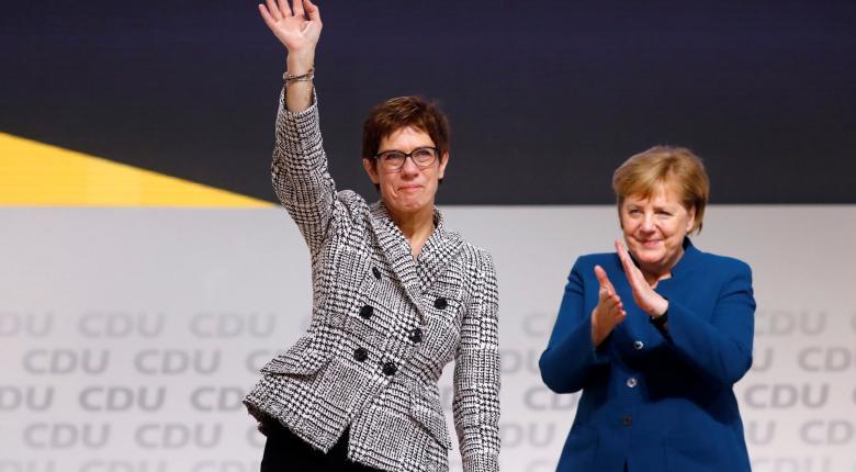 Η εκλεκτή της Μέρκελ στο τιμόνι του CDU - Κεντρική Εικόνα