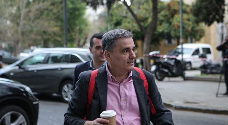 Τσακαλώτος: Για τα υπερπλεονάσματα φταίνε οι θεσμοί - Κεντρική Εικόνα
