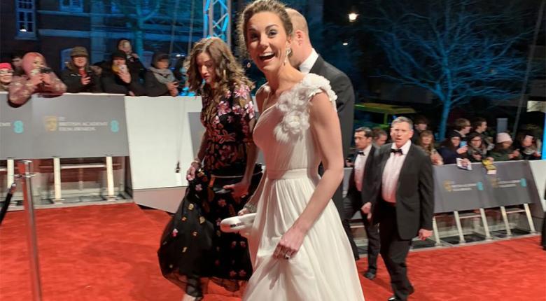 ΒΑΦΤΑ: Tα... χρυσά γοβάκια της πριγκίπισσας Κέιτ έκαναν μόνο 600 ευρώ! (photos)  - Κεντρική Εικόνα
