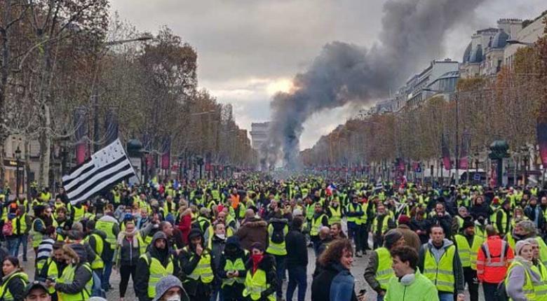 Γαλλία-κίτρινα γιλέκα: Συνδικαλιστικές και εργοδοτικές οργανώσεις θα συναντηθούν με τον Μακρόν τη Δευτέρα - Κεντρική Εικόνα