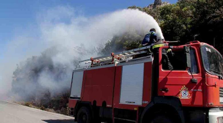 Φωτιά σε οικόπεδο στο Κορωπί Αττικής - Κεντρική Εικόνα