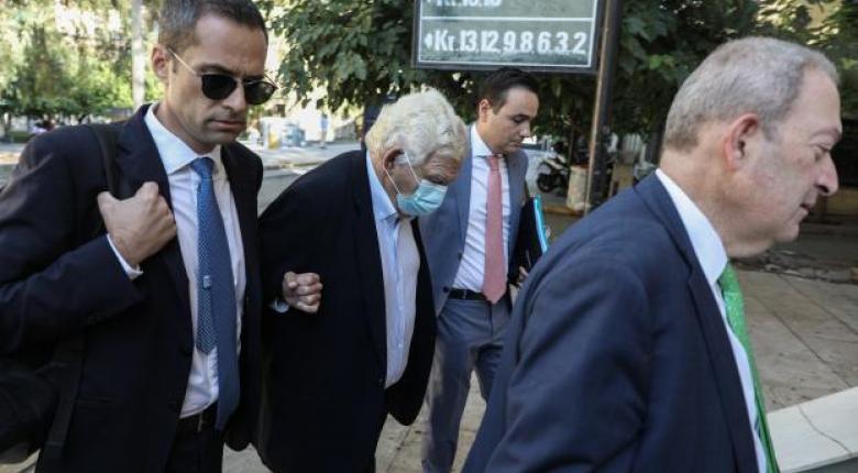 Σκάνδαλο Folli Follie: Στην ανακρίτρια η οικογένεια Κουτσολιούτσου, κατηγορείται για σωρεία κακουργημάτων (Photos) - Κεντρική Εικόνα