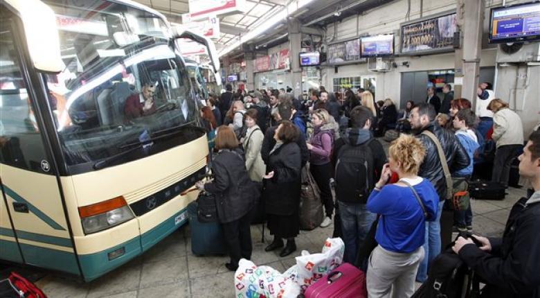 Πολιτικός κλείστηκε στις αποσκευές λεωφορείου του ΚΤΕΛ - Κεντρική Εικόνα