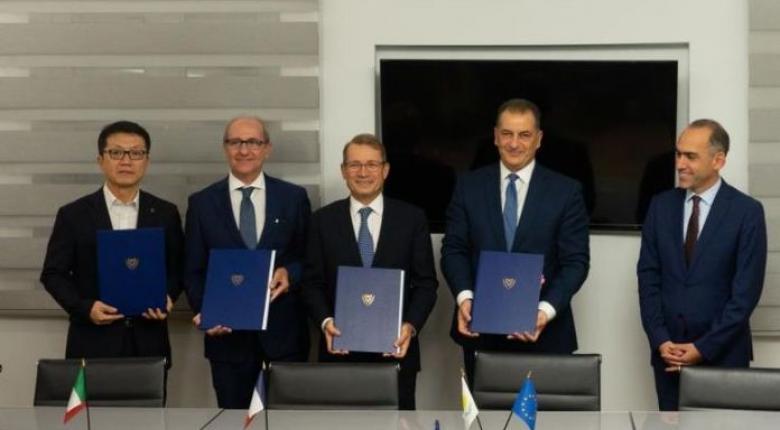 Υπογραφή συμβολαίων για πέντε τεμάχια στην κυπριακή ΑΟΖ - Κεντρική Εικόνα