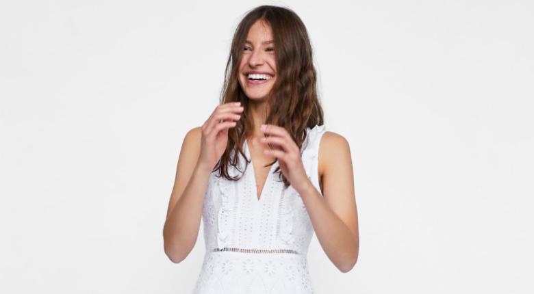 faaa26d87ee ZARA: 10+1 λευκά φορέματα για το καλοκαίρι | Economy 365