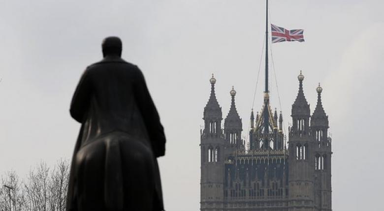 Συνελήφθη 14χρονη στο Λονδίνο για συνεργασία με ύποπτο τρομοκράτη - Κεντρική Εικόνα