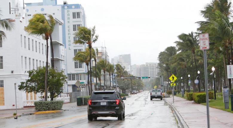 Kυκλώνας Ίρμα: Κάτω από το νερό πολλές συνοικίες στο βόρειο τμήμα της Φλόριντα - Κεντρική Εικόνα