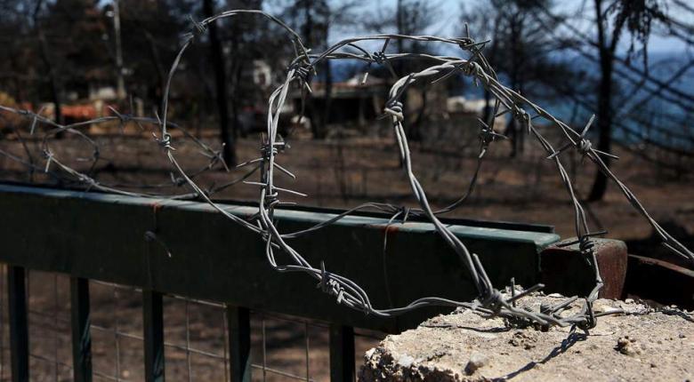 Υπουργικό κλιμάκιο στο Μάτι ενημέρωσε τους κατοίκους - Κεντρική Εικόνα