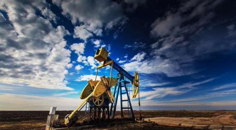 Μικτή εικόνα για το πετρέλαιο - Κεντρική Εικόνα