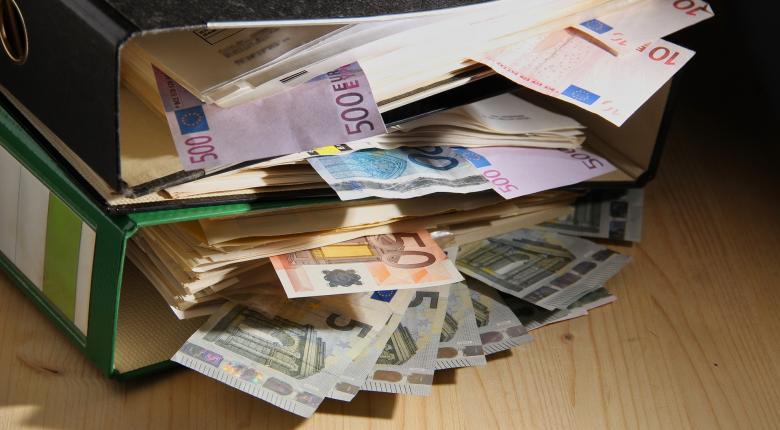 Ψηφίζεται σήμερα το νομοσχέδιο για τις μικροχρηματοδοτήσεις - Ποιοι και πώς θα λάβουν ως 25.000 ευρώ - Κεντρική Εικόνα