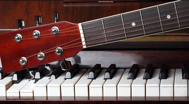 Μείωση του ΦΠΑ από 24% σε 6% στις μουσικές εκδηλώσεις προανήγγειλε η Παπανάτσιου - Κεντρική Εικόνα