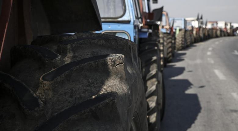 Αποχωρούν οι αγρότες από το μπλόκο της Νίκαιας - Κεντρική Εικόνα