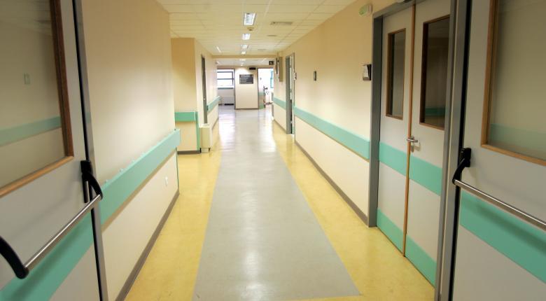 Με απόφαση του ΣτΕ «κόβονται» οι εργολάβοι από τα νοσοκομεία - Κεντρική Εικόνα