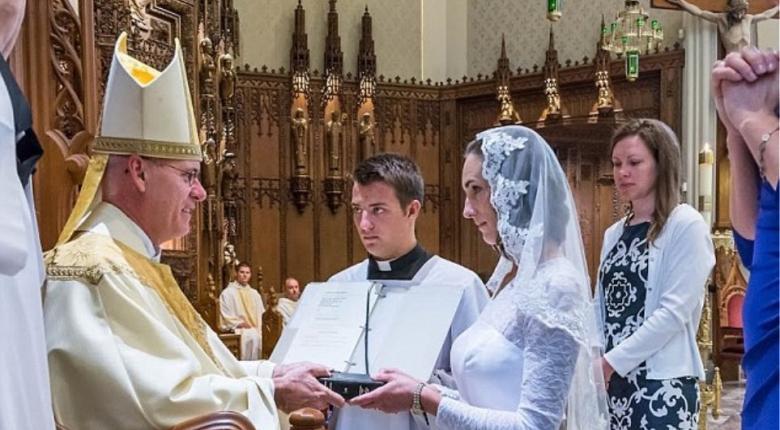 Βατικανό: Οι γυναίκες που αφιερώνουν τον εαυτό τους στον Χριστό δεν χρειάζεται να είναι παρθένες - Κεντρική Εικόνα