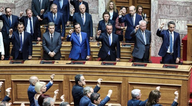 Τρεις βουλευτές από ΚΙΝΑΛ και ΣΥΡΙΖΑ ορκίστηκαν στο Κοράνι (photos) - Κεντρική Εικόνα
