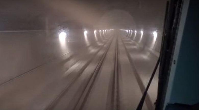 Πέρασε το πρώτο τρένο του ΟΣΕ εγκαινάζοντας τη μεγαλύτερη σήραγγα των Βαλκανίων (Video) - Κεντρική Εικόνα